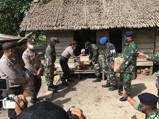 Sinergitas TNI/Polri Gerakan Bakti Sosial Beserta Ibu Bhayangkari Dalam Peduli Covid-19