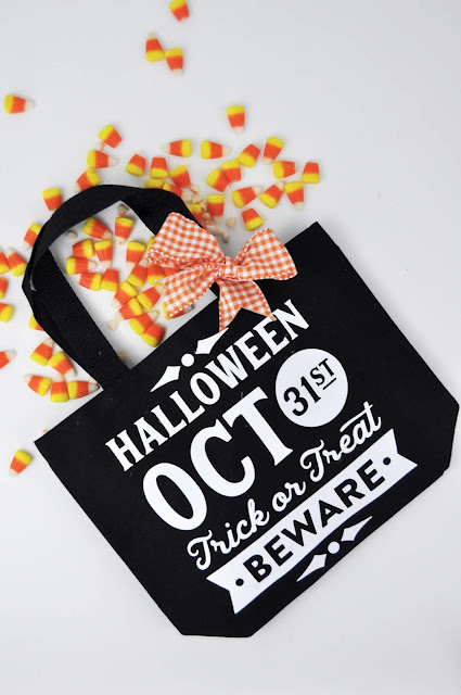 Trick-or-Treat Halloween Iron-On Bag Tutorial by Jen Gallacher for www.jengallacher.com. #halloween #trickortreat #ironon #silhouette #cricut #jillibeansoup