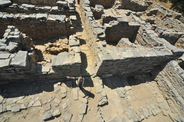Excavations at Minoan palace of Zominthos yield complex architectural features, rare artefacts