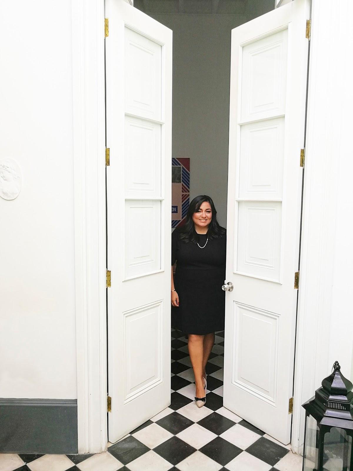 Black Dress - Look #HuaweiP10 #Alexander Neumann