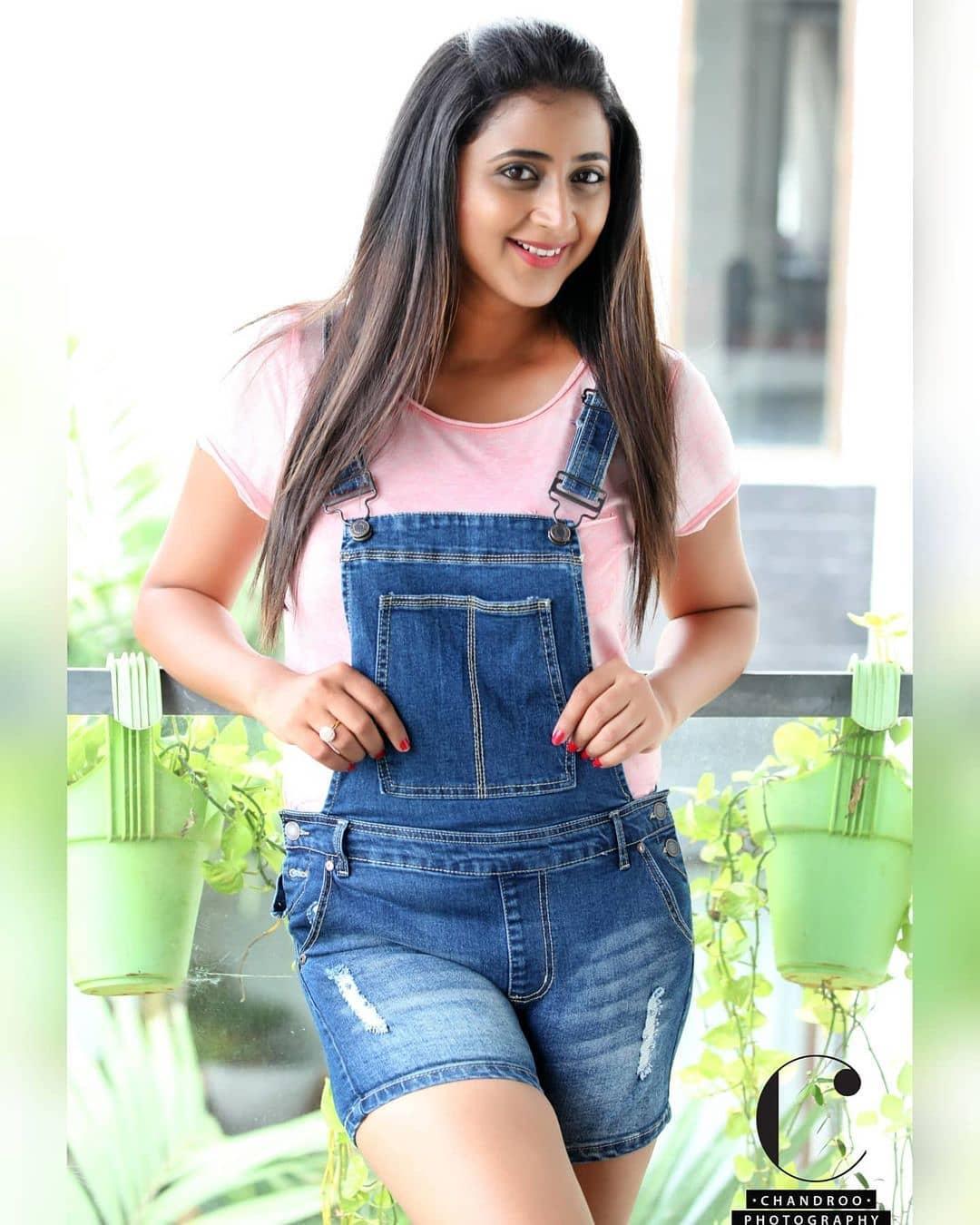 South Indian Actress Kaniha Hot Pics