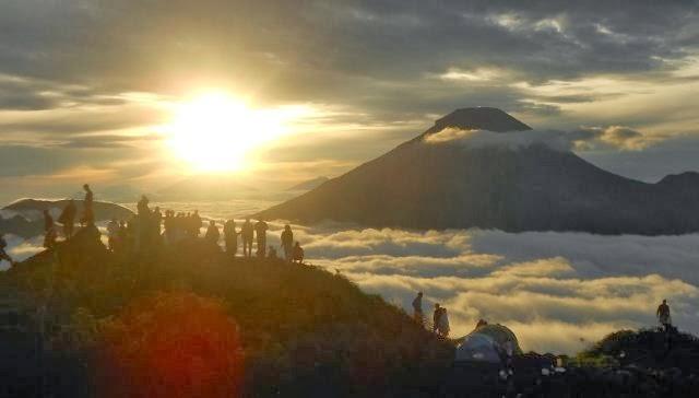 dieng plateau sunrise