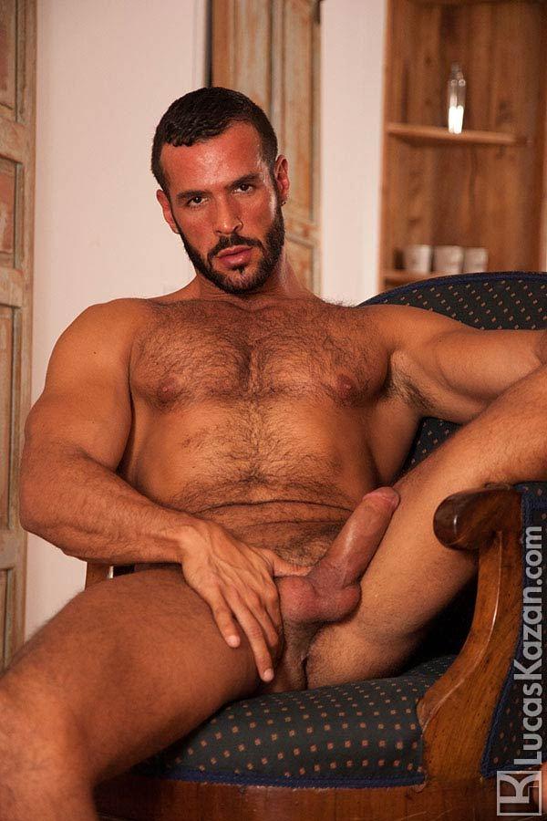 Macho peludo 20 nudes pra você gozar.