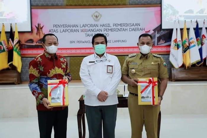 Bupati dan Ketua DPRD Terima LHP, Lamsel Kembali Raih Predikat WTP