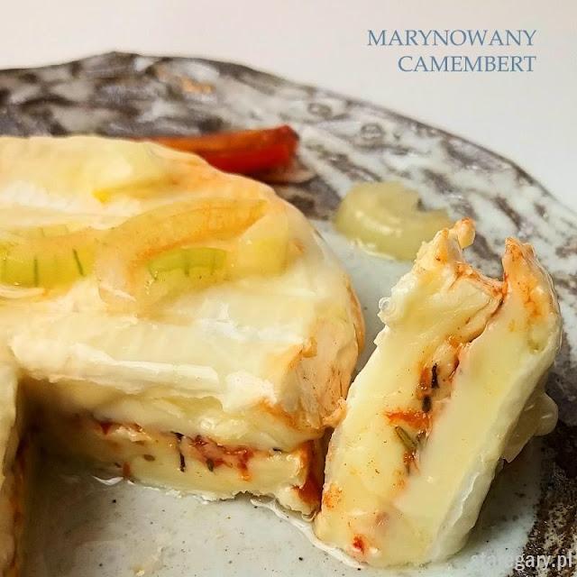 Marynowany camembert  - Nakládaný hermelín