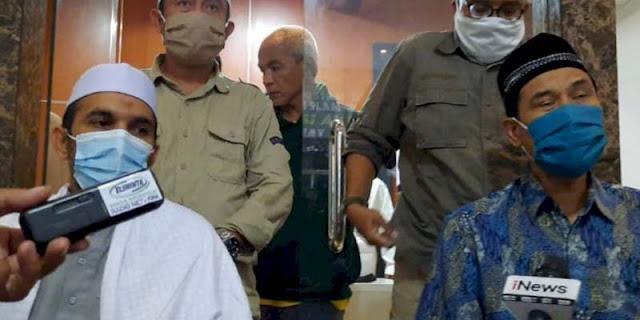 Bantah Anggotanya Bersenjata, FPI: Silakan Cek Registrasi Senpi