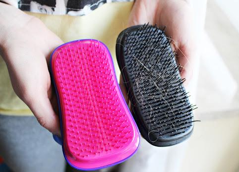 Jak czyścić szczotki do włosów? Jak pozbyć się włosów ze szczotki? Przyrząd do czyszczenia szczotek do włosów, For Your Beauty