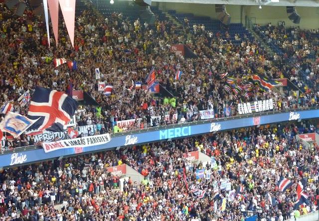 banderoles des ultras psg pour les adieux de Matuidi