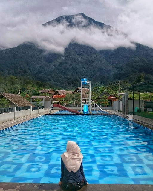 Fasilitas dan Harga Penginapan Wisata Kampung Istal Tenjolaya Bogor