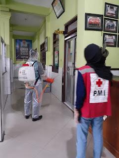 Sprying PMI Kab. Semarang di Komplek Istiqomah