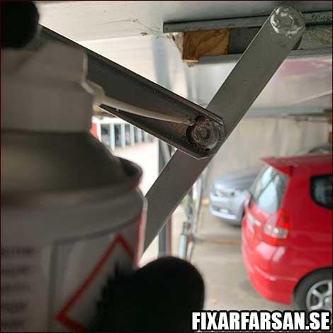 Smörja-Garageportar-Vikport-Gångjärn