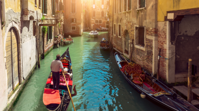 Ingressos para serenata e jantar na gôndola em Veneza