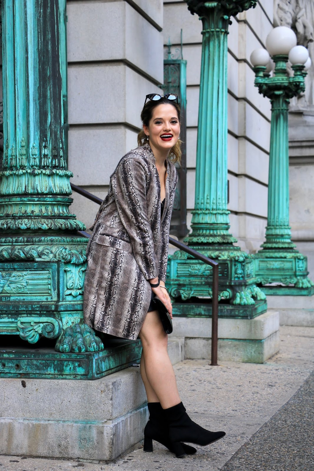Nyc fashion blogger Kathleen Harper's Financial District photo shoot.