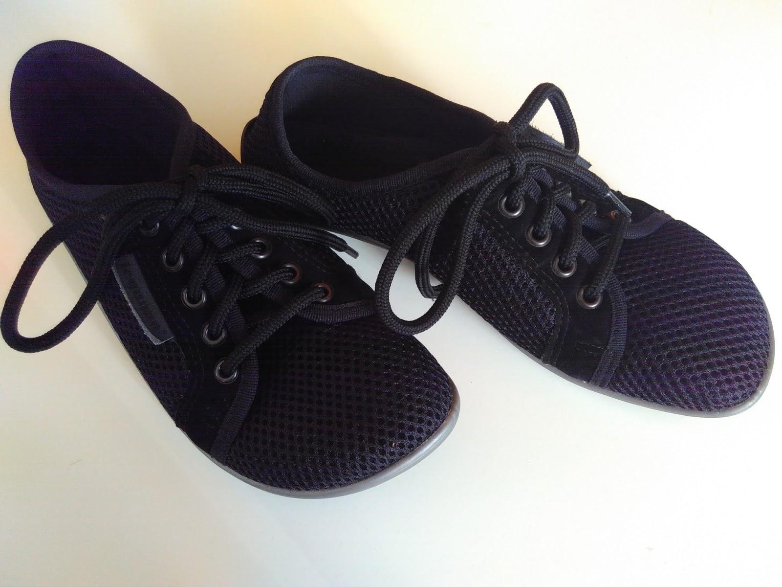 fa3a1d3ad68897 Die Schuhe bestehen aus Polyester und Mikrofaser (leider nicht besonders  toll für die Umwelt - ich weiß) und die Sohle aus Lifolit.