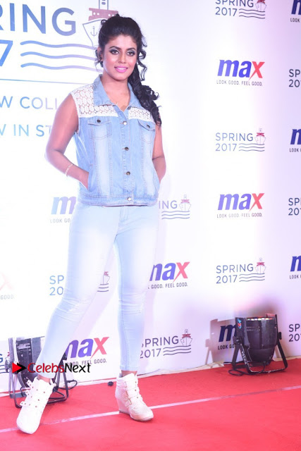 Actress Iniya Stills in Denim Jeans at Max Spring 2017 Collection Launch  0001.jpg