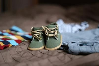 Arti Mimpi Beli Sepatu Baru Hilang dan Rusak