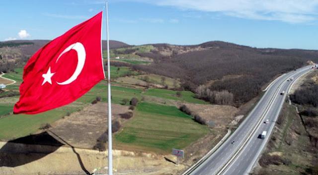 Samsun Kavak'taki Türk Bayrağı