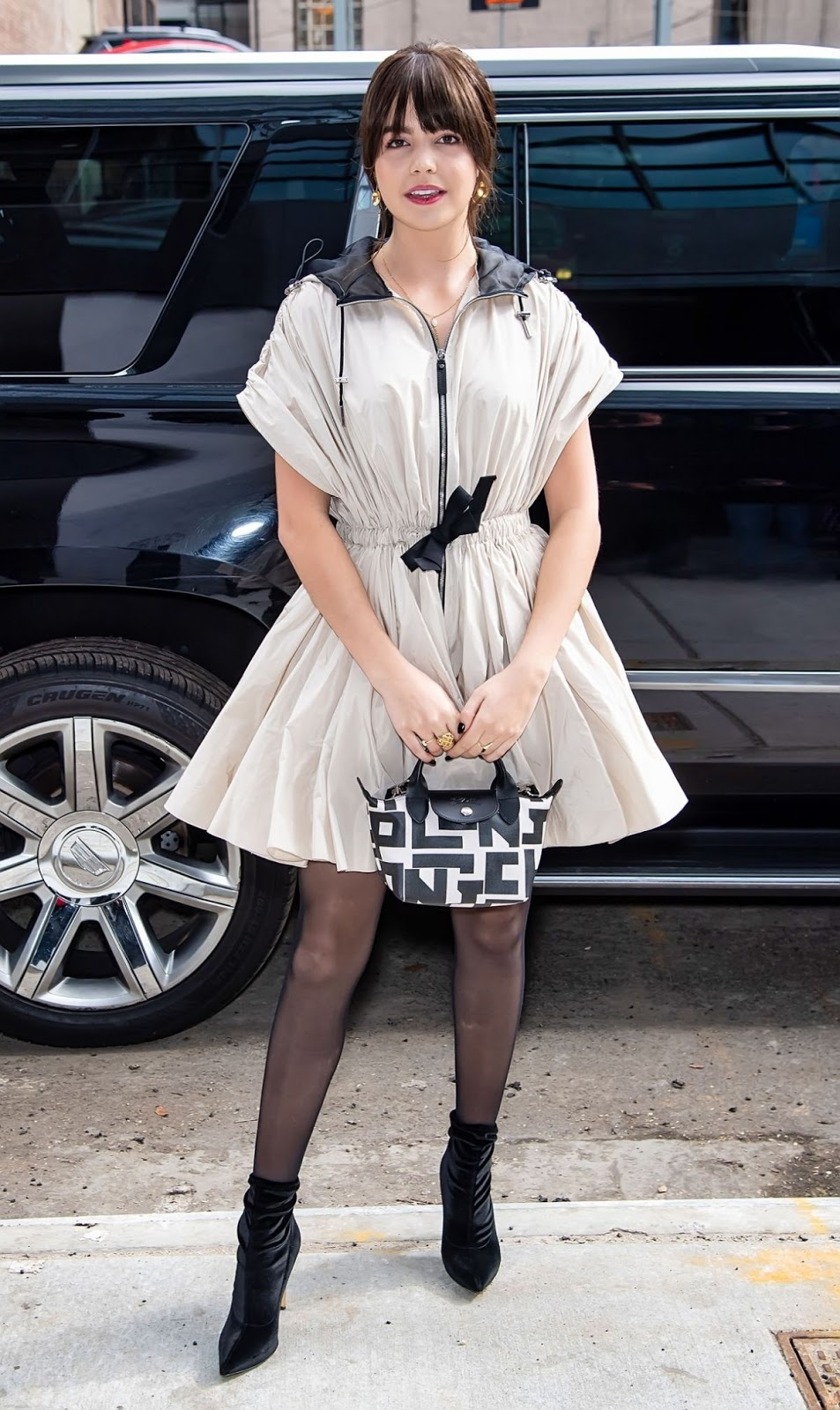 Bailee Madison Arrives at Longchamp Show at New York Fashion Week - Sat Feb 08 2020