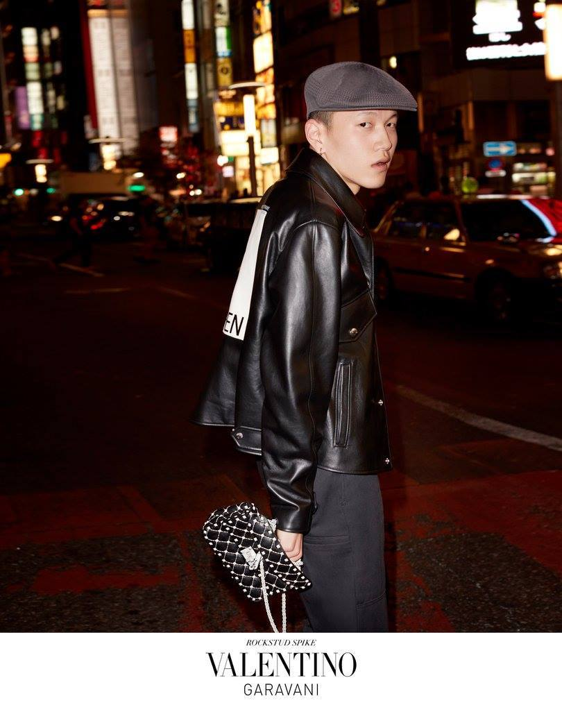 Valentino   'Rockstud Spike In Tokyo' SS 2018 Accessories Ad Campaign