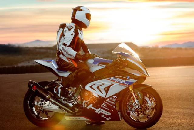 Intip Spesifikasi Motor Balap BMW HP4 Race