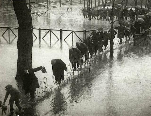 París inundado, foto tomada en el año 1924. Fotos insólitas que se han tomado. Fotos curiosas.