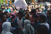 Tolak Wisuda Online, Mahasiswa UIN Mataram Geruduk Gedung Rektorat