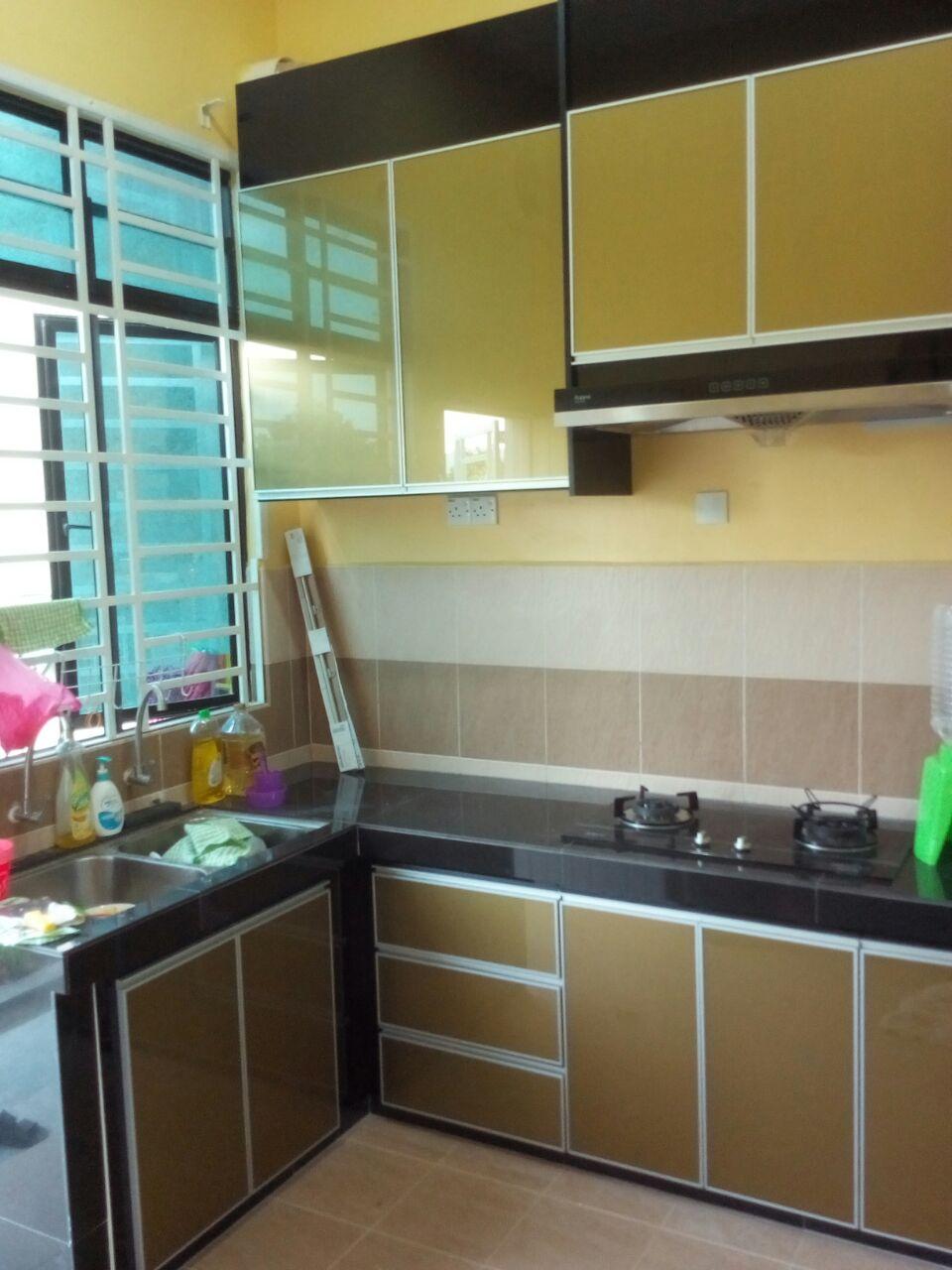 Kabinet Dapur Warna Gold Desainrumahid