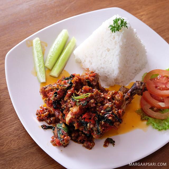 Nasi Ayam Pecak Seribu Warunk Starmeal