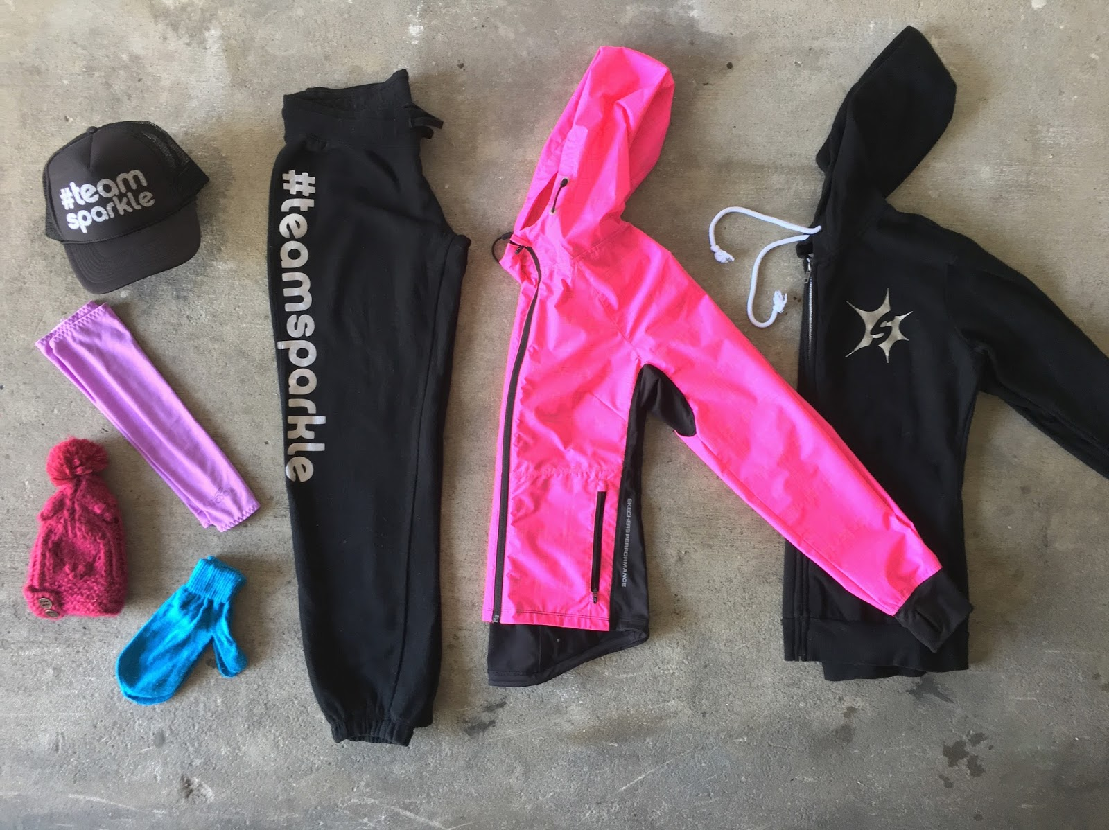 Activewear Clothing, Shoes & Accessories Pink Sweatsuit Utmost In Convenience