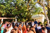 casamento do goleiro brenno do grêmio com victoria fogassi com evento organizado por life eventos especiais cerimonia ao ar livre em porto alegre na associação do ministério público e recepção em tons de marsala branco e verde