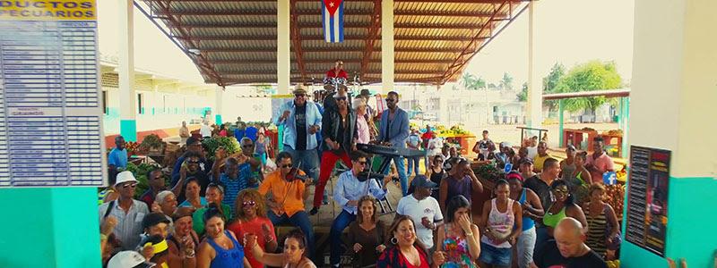 Formell y Los Van Van - ¨Amiga mía¨ - Videoclip - Dirección: Alejandro Valera. Portal Del Vídeo Clip Cubano - 01