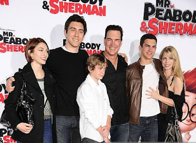 Patrick Warburton with his family in an award function