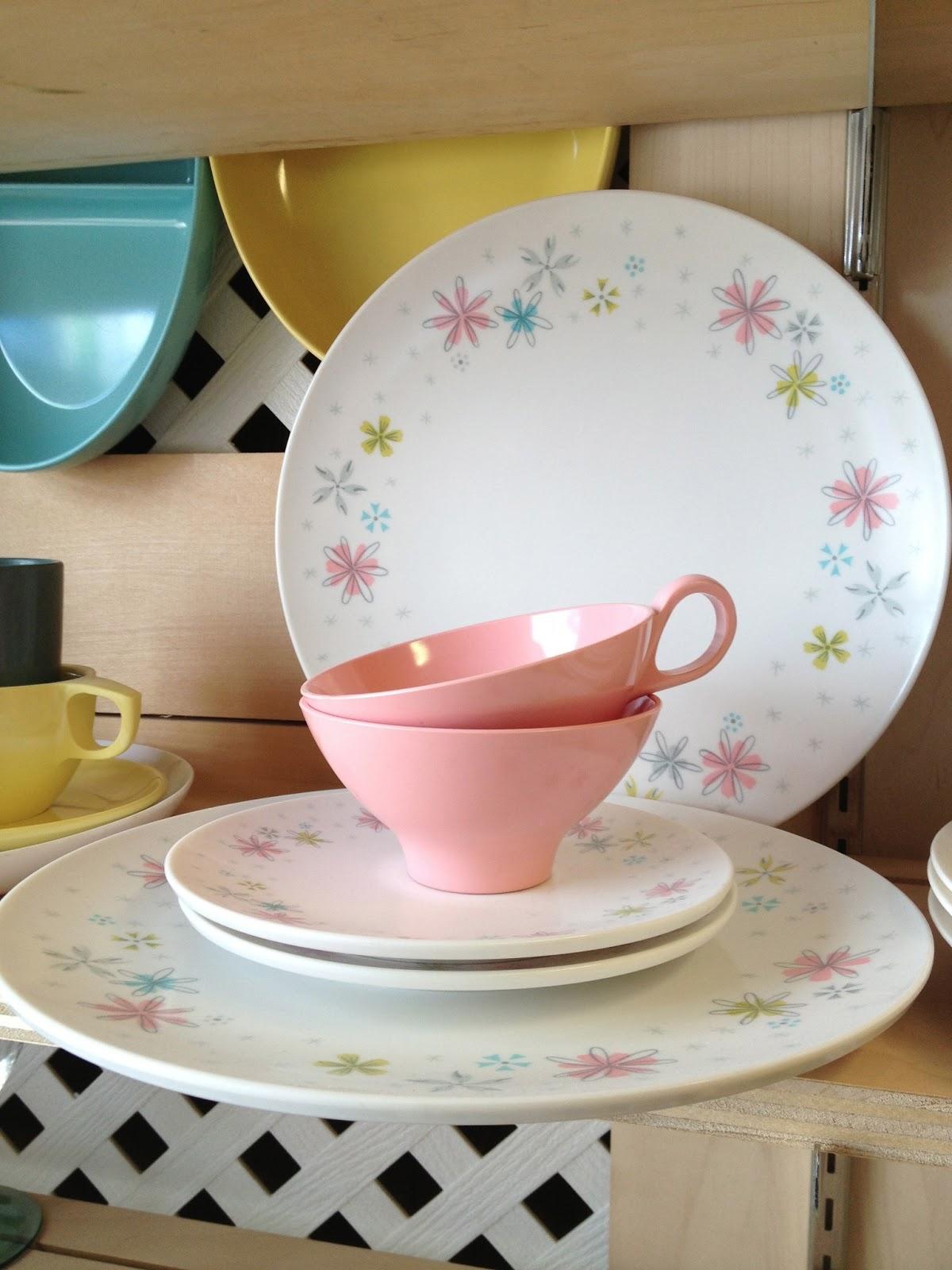 c dianne zweig kitsch 39 n stuff should you buy vintage retro melmac dishes. Black Bedroom Furniture Sets. Home Design Ideas