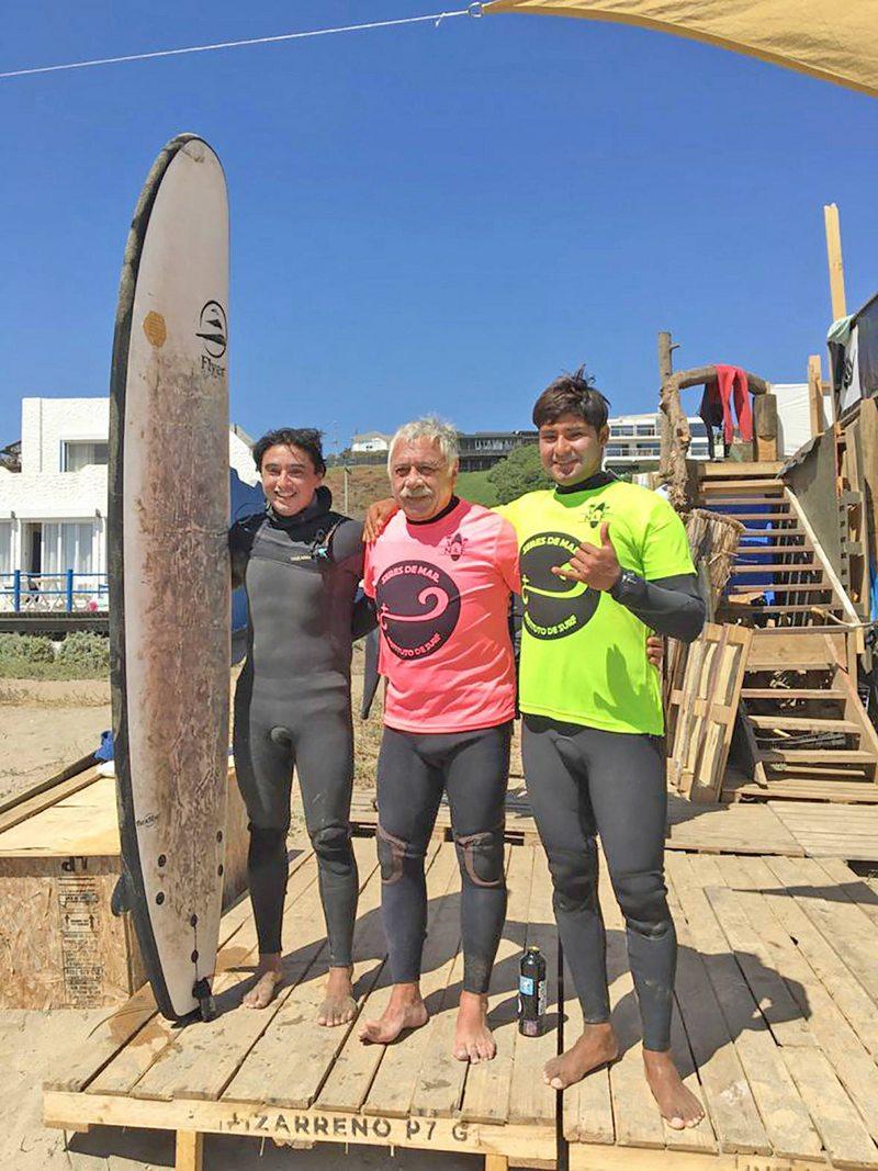 Caszely incursionó en el surf a los 70 años