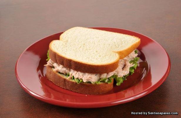 Sandwic tuna dan keju