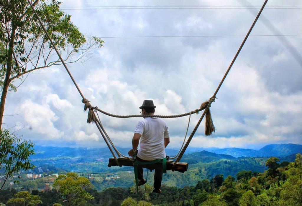 Lepas Penat dengan Panorama Indah di Kamojang Ecopark