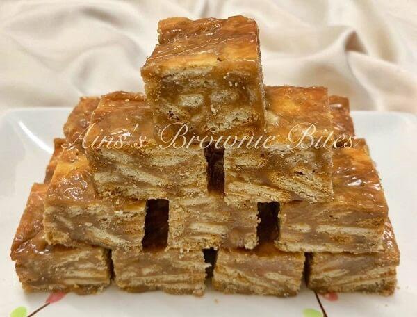 Kek Batik Karamel