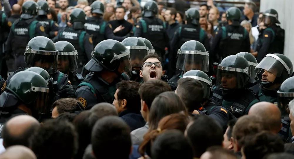 بتهمة تسخير 21 مهاجرا... الشرطة الإسبانية تعتقل 3 أشخاص
