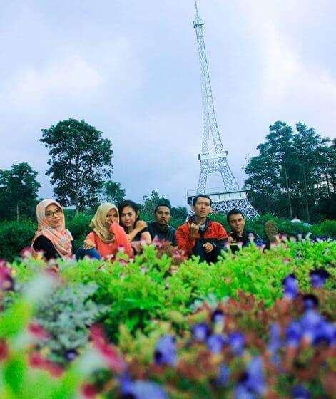 Spot Corner Paling Hits Wisata Taman Bunga Celosia