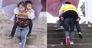 9χρονη κουβαλάει τον μεγαλύτερο ανάπηρο αδερφό της κάθε μέρα στο σχολείο - ΕΙΚΟΝΕΣ