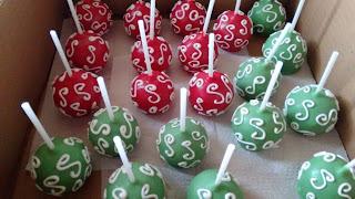 cake pop vermelho e verde