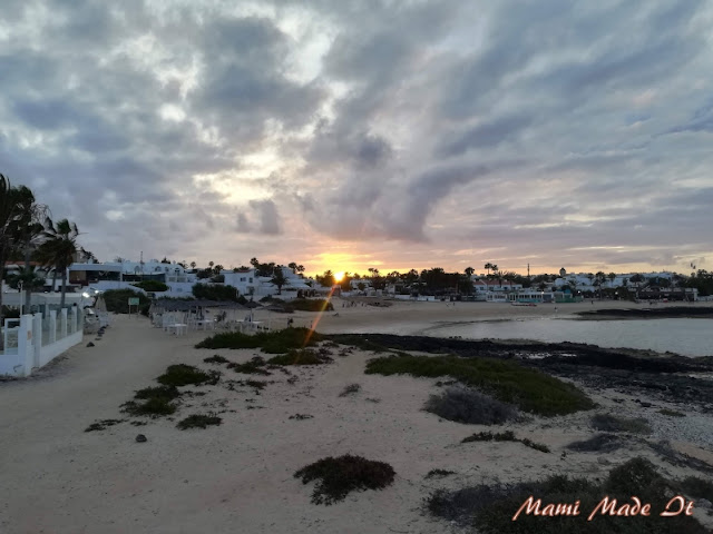 Sonnenuntergang in Corralejo, Kanarische Inseln, Spanien - Sunset in Corralejo, Canary Islands, Spain