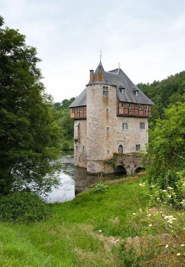 10 Best Places to Holiday in Belgium (100+ Photos) | Crupet Castle Namur, Belgium
