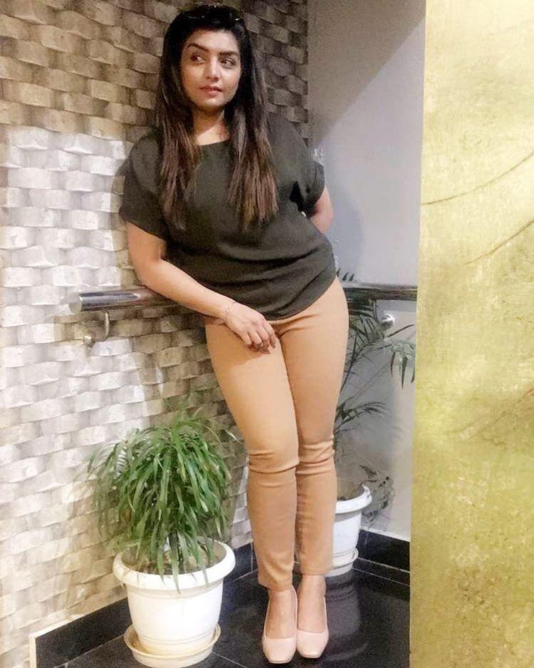 Very Sexy Look Punjabi Girl pictures Rupinder Handa