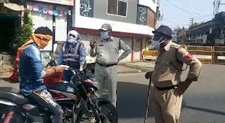 बेगमपुरा व देवासगेट क्षेत्र में पेट्रोल पंप के पास पुलिस का सघन चेकिंग अभियान जारी