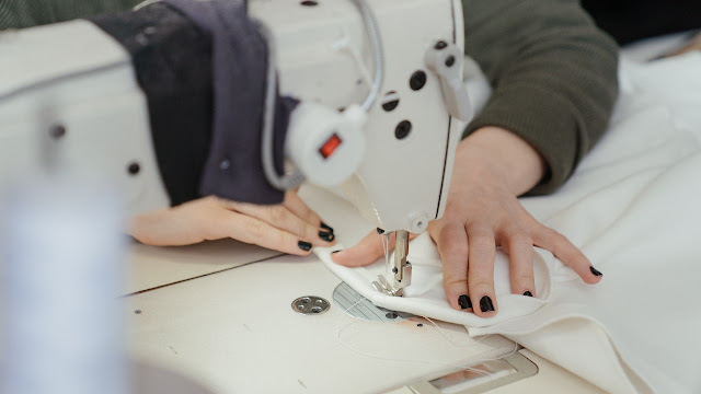 How Does a Sewing Machine Work Step by Step