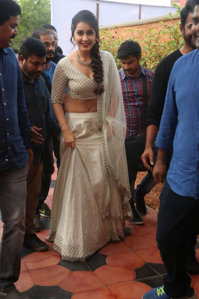 Raashi Khanna At Jai Lava Kusa Theatrical Trailer Launch Stills