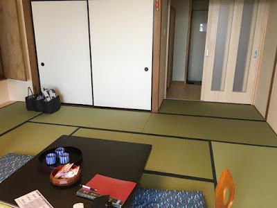 永芳閣の11畳和室
