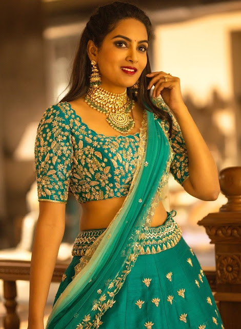Himaja Grand Bridal Kundan Choker