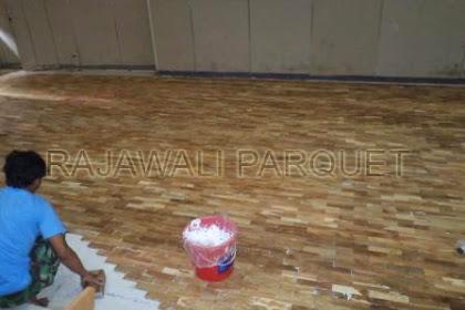 Pemasangan parket kayu lantai didalam kampus